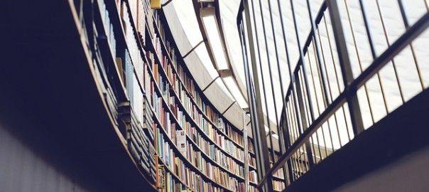 Biblithek in der Studenten arbeiten